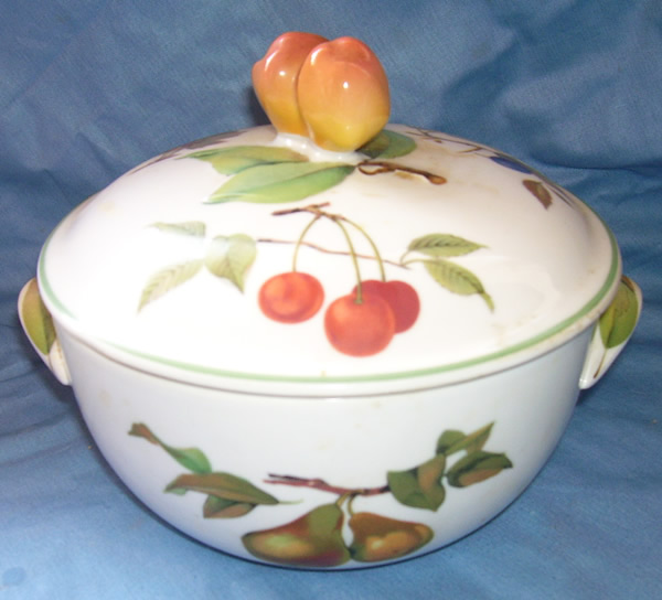 Royal Worcester casserole dish